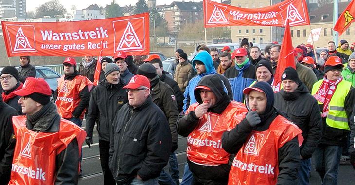 Streikende der IG Metall | Foto: DIE LINKE. NRW (CC BY-SA 2.0)