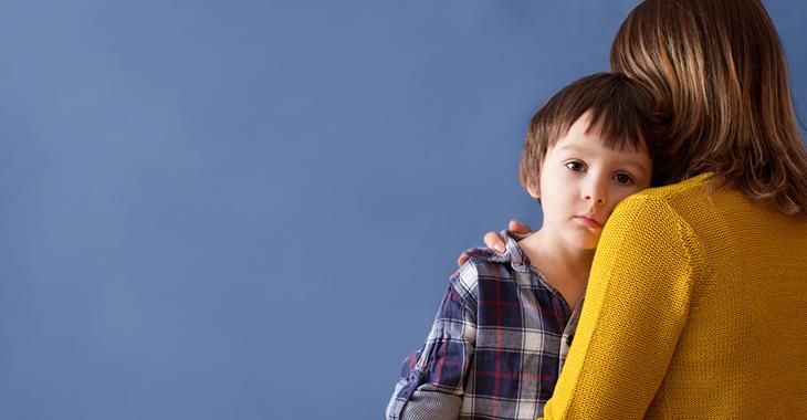 Eine alleinerziehende Mutter mit ihrem Kind. © iStock/Tatyana Tomsickova
