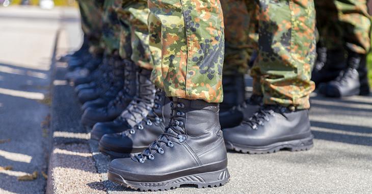 Bundeswehr Soldaten © iStock/huettenhoelscher
