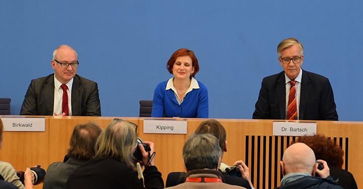 Bundespressekonferenz: Dietmar Bartsch, Katja Kipping und Matthias W. Birkwald stellen Antrag der LINKEN im Bundestag zur Solidarischen Mindestrente vor