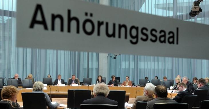 Anhörungssaal des Bundestages © DBT/Lichtblick/Achim Melde