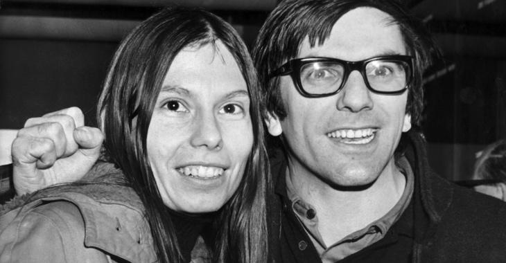 Rudi Dutschke mit seiner Frau Gretchen beim Verlassen von Thanet House in London am 22. Dezember 1970 © dpa/UPI