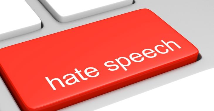 Computertastatur mit der Aufschrift Hate Speech © iStock/Kagenmi