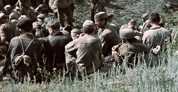 Soldaten der Sowjetarmee 1942 in Kriegsgefangenschaft © FORTEPAN