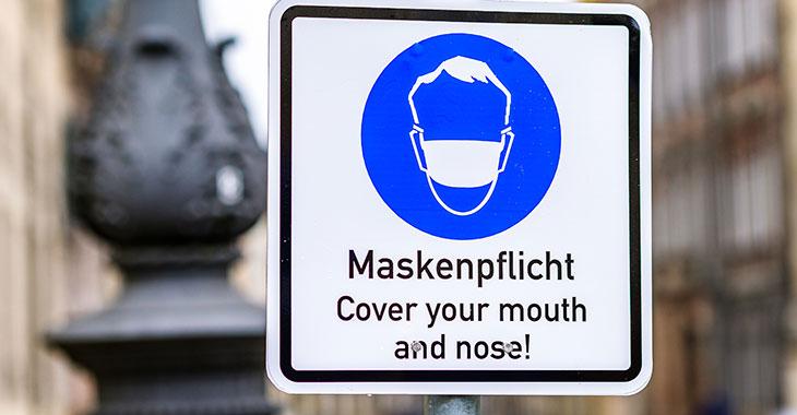 Hinweisschild zur Maskenpflicht