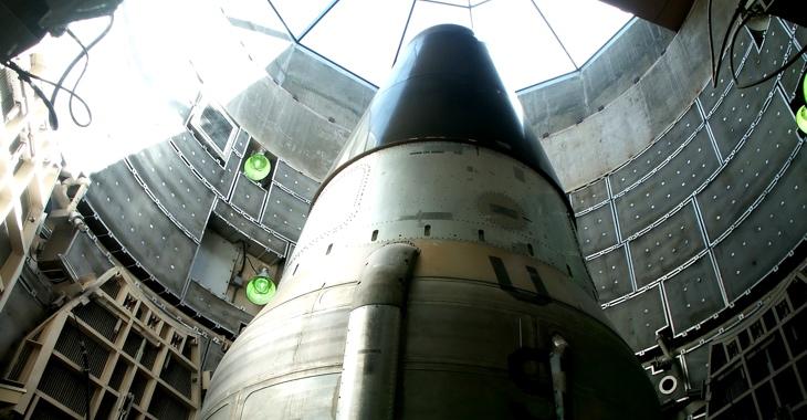 Titan-Trägerrakete im Raketensilo © iStock/LOUOATES