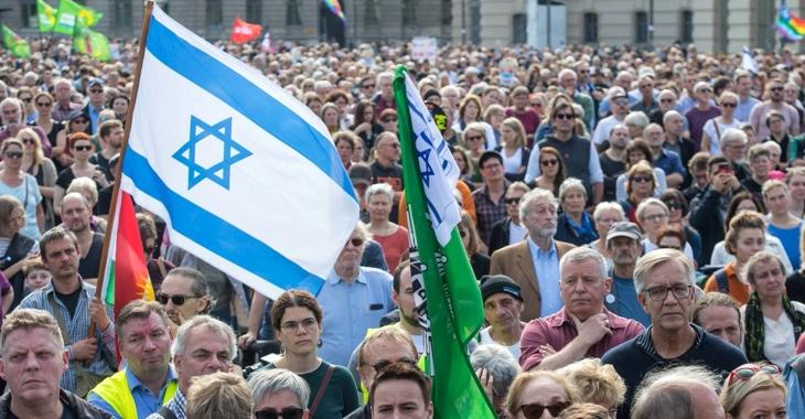 Dietmar Bartsch am 13. Oktober 2019 in Berlin beim Unteilbar-Protestzug gegen Antisemitismus © AFP