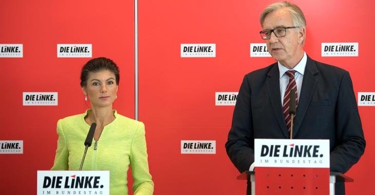 Sahra Wagenknecht und Dietmar Bartsch beim gemeinsamen Pressestatement am vor der Fraktionssitzung © Soeren Stache/dpa