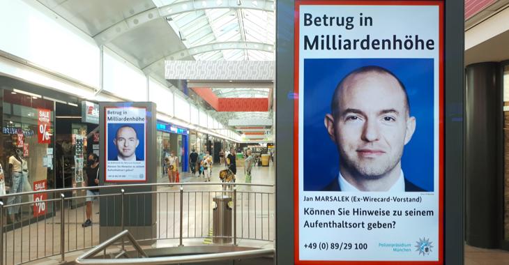 Fahndungsplakate nach dem flüchtigen Wirecard-Manager Jan Marsalek ©ddp
