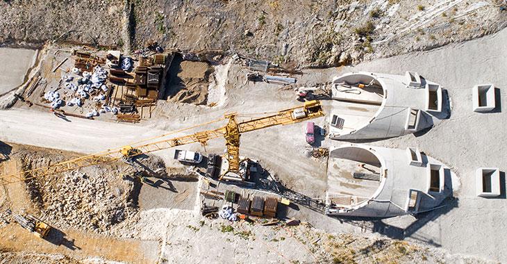 Baustelle eines Eisenbahntunnels