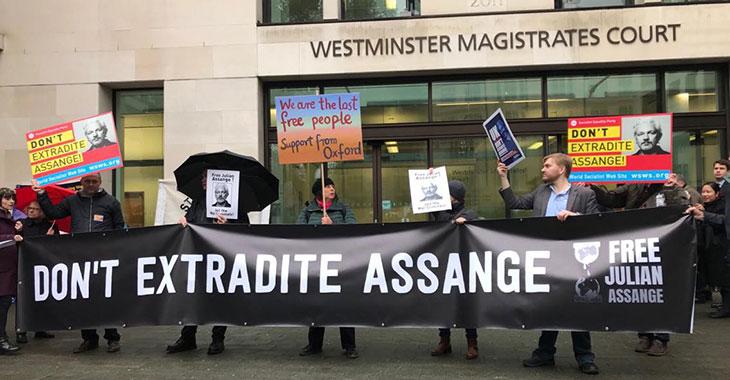 Protest in London gegen die drohende Auslieferung von Julian Assange an die USA