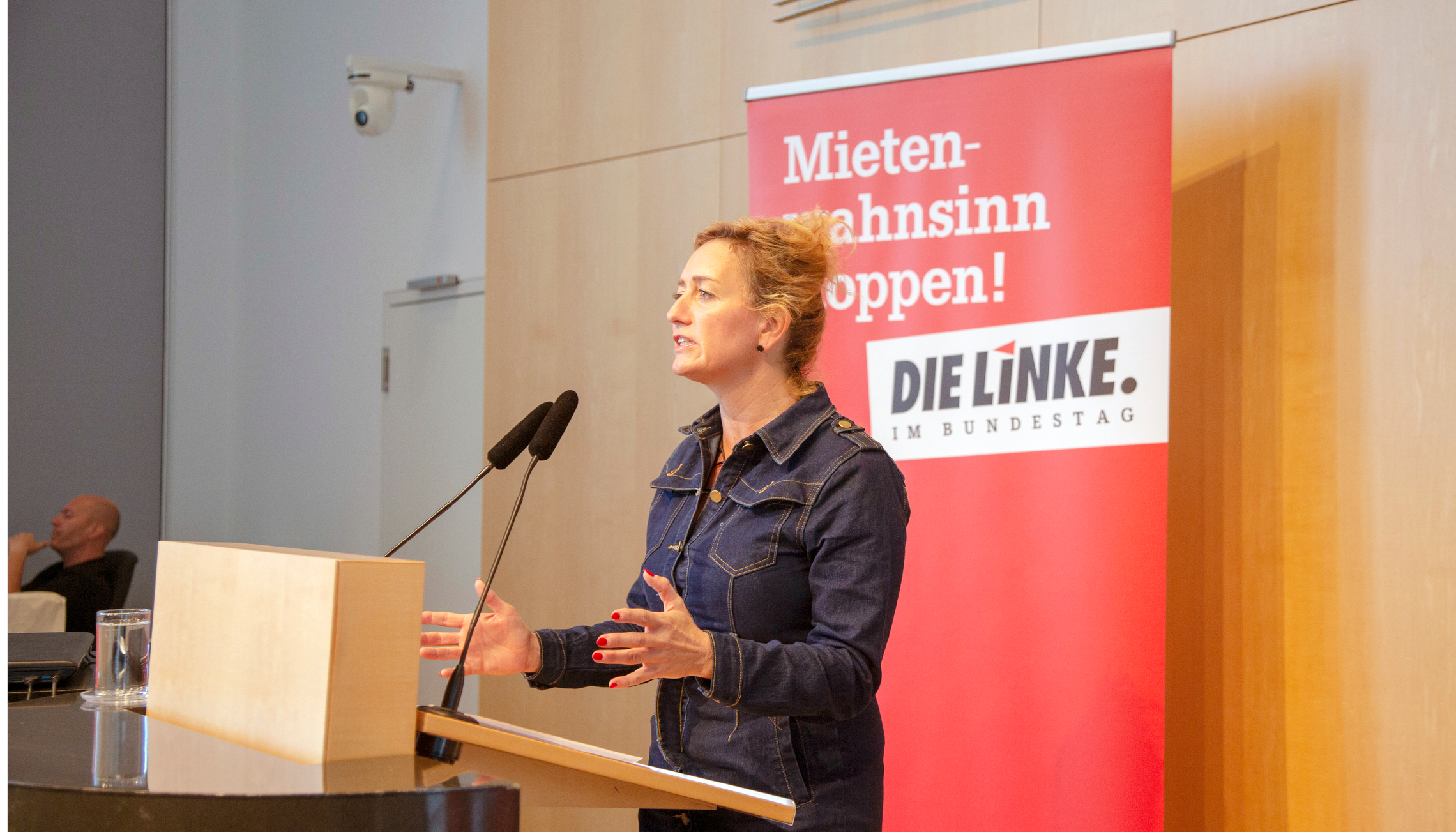 Caren Lay auf dem mietenpolitischen Ratschlag in Stuttgart