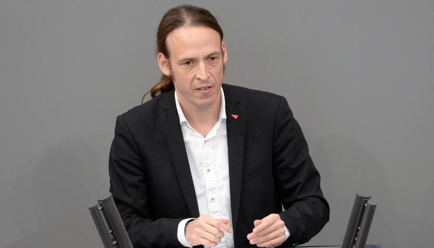 Pascal Meiser spricht im Bundestag © DBT / Achim Melde