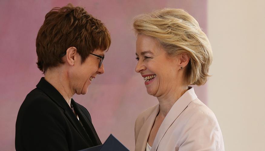 Annegret Kramp-Karrenbauer und Ursula von der Leyen   Foto: © picture-alliance / Cuneyt Karadag