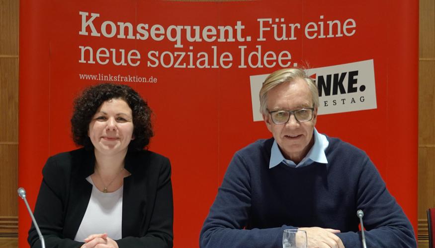 Die beiden Vorsitzenden der Linksfraktion im Bundestag Amira Mohamed Ali und Dietmar Bartsch ©picture alliance/Jörg Ratzsch/dpa