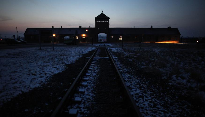 Das Torhaus des ehemaligen Konzentrationslagers Auschwitz-Birkenau © REUTERS/Kacper Pempel