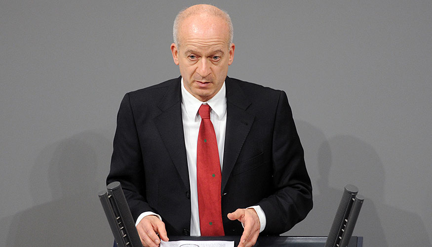 Friedrich Straetmanns am Redepult des Bundestags