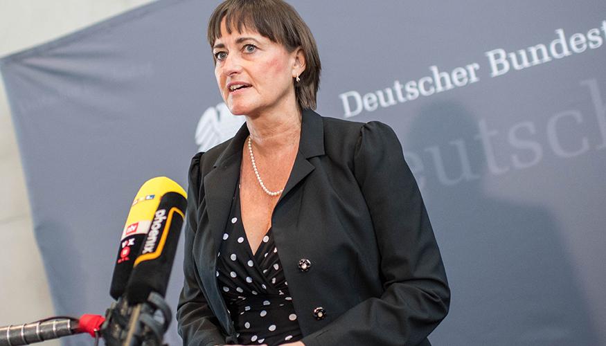 Martina Renner bei einem Statement im Bundestag